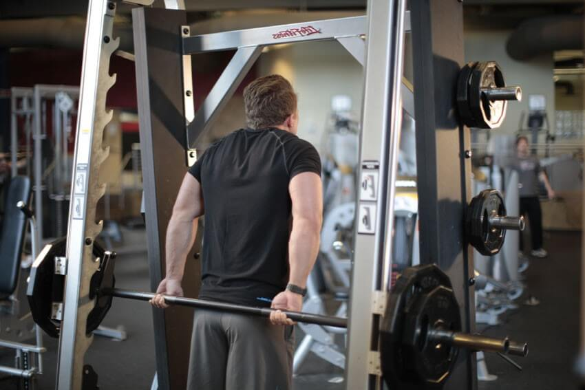 Behind-the-Back Shrug with Smith machine